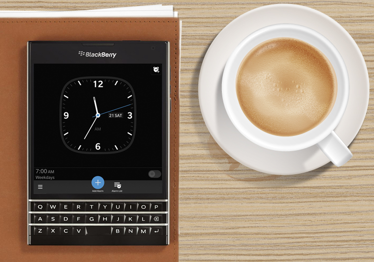BlackBerry-Passport-Desk1