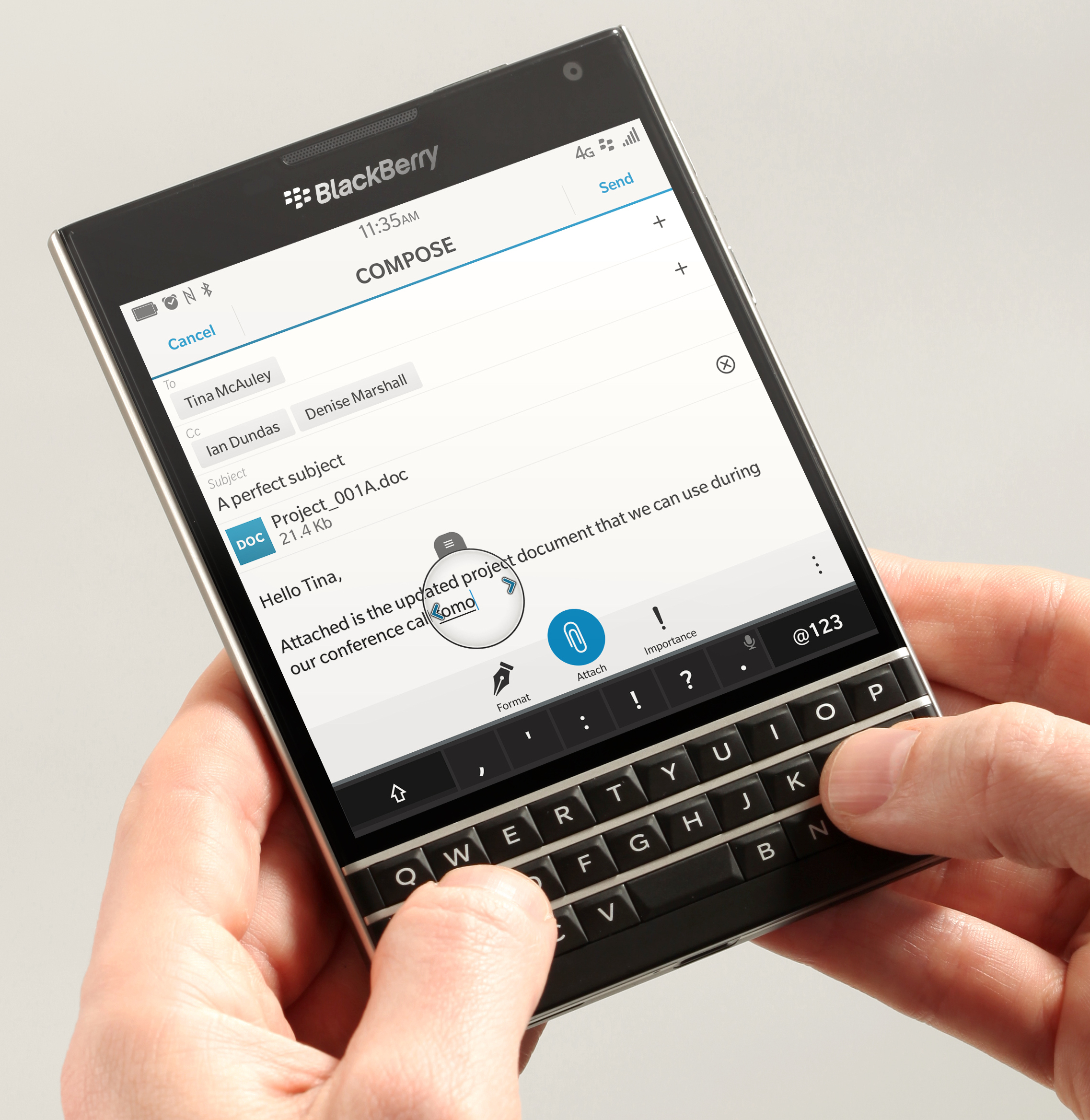 BlackBerry_Passport_hand