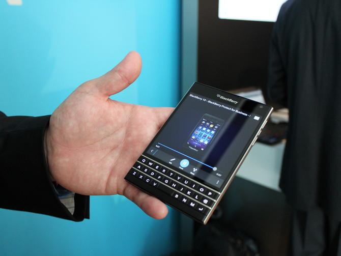 blackberry-passport17