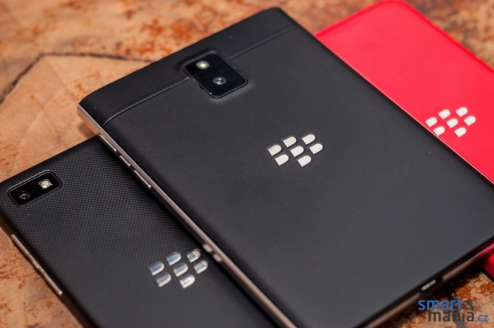 BlackBerry-Passport-Review-12