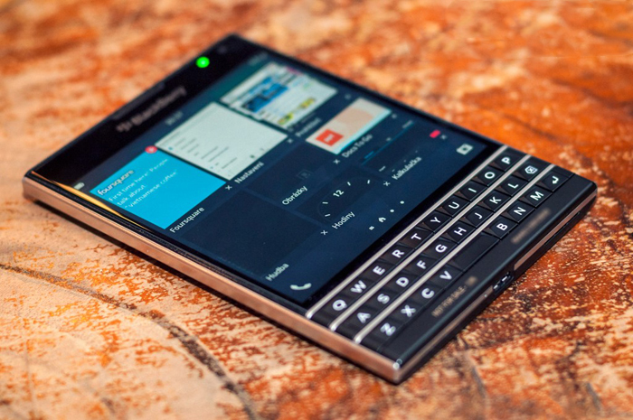 BlackBerry-Passport-Review-BP