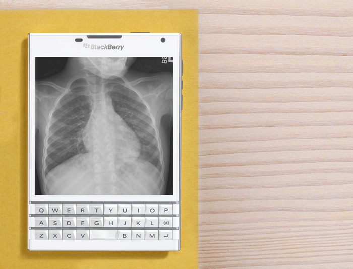BlackBerry-Passport-medical1
