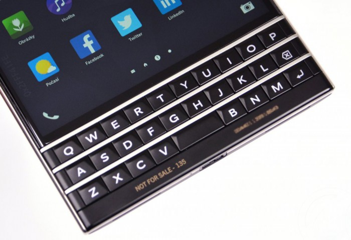 blackberry-passport-163328