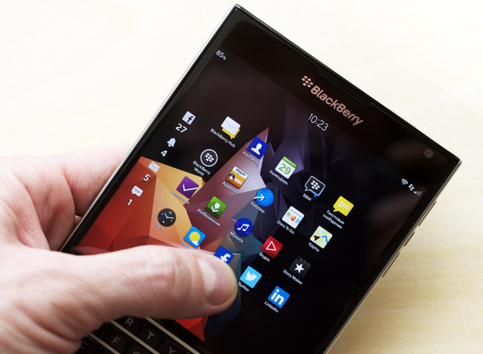 BlackBerry-Passport-Review-04