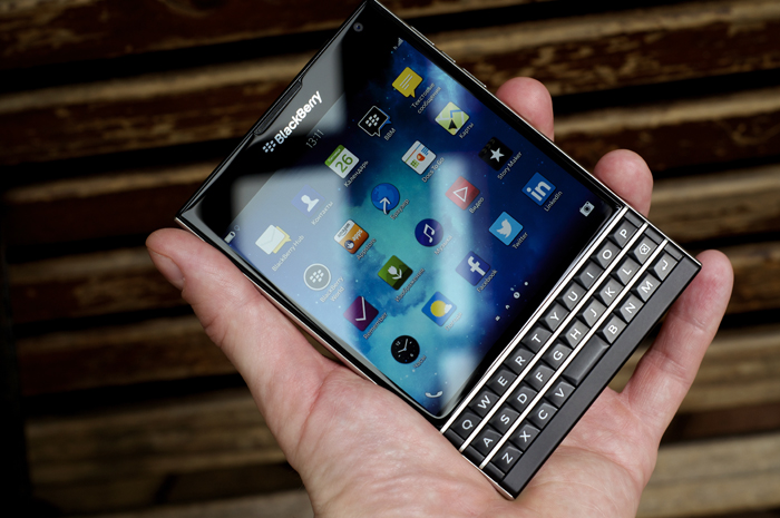BlackBerry-Passport-Review-19