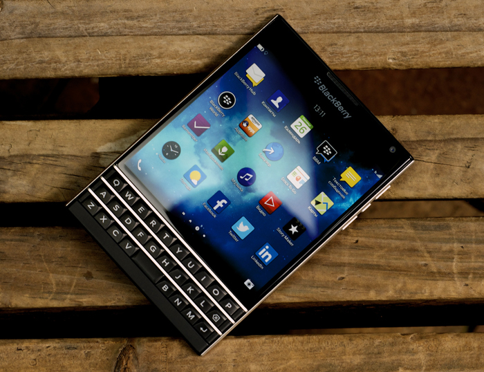 BlackBerry-Passport-Review-21