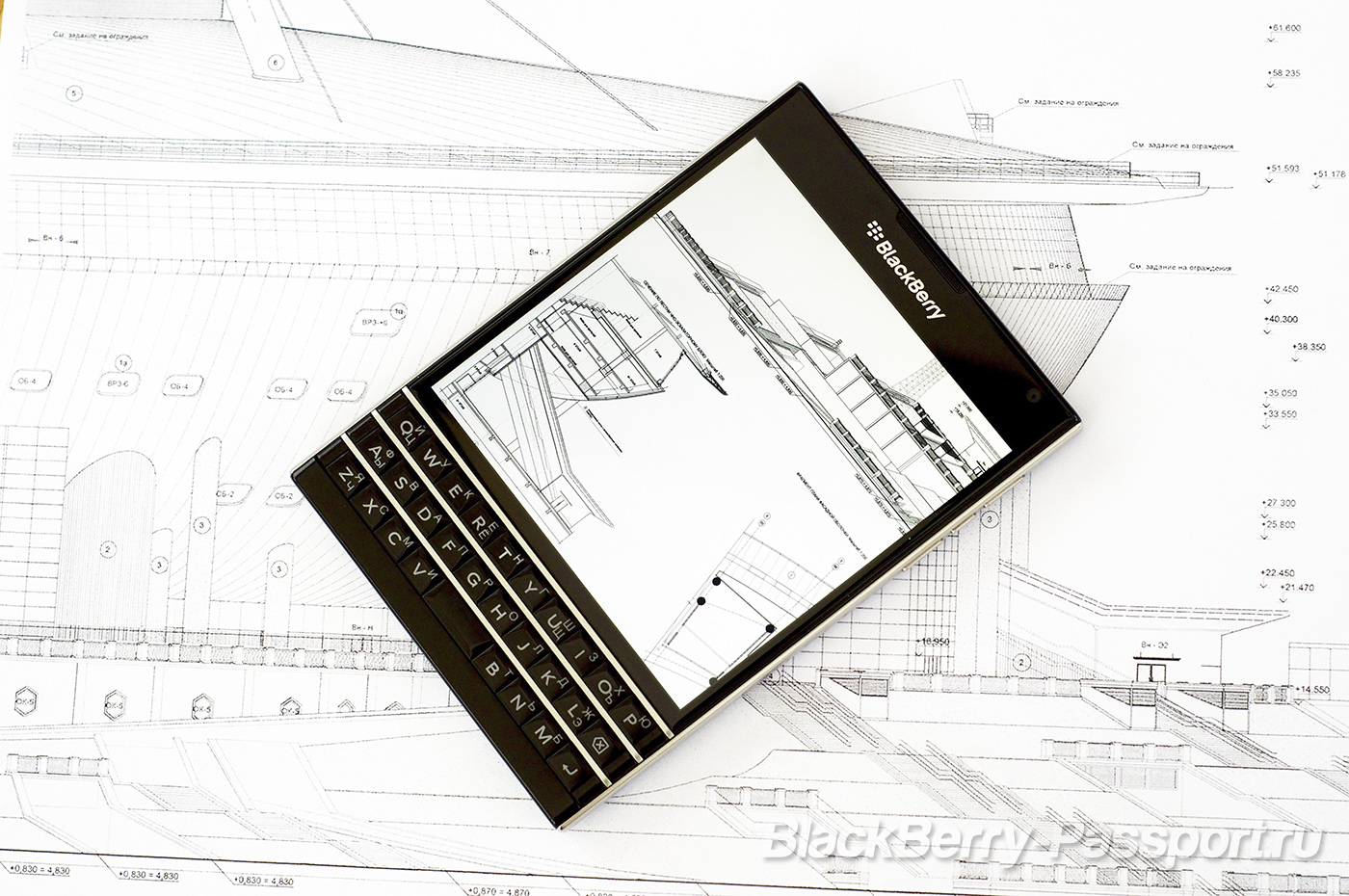 BlackBerry-Passport-BP-2-3