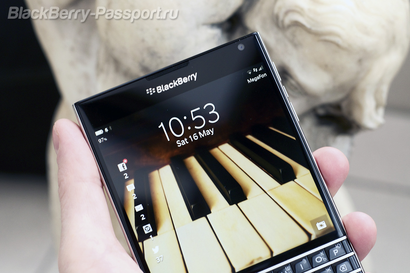 BlackBerry-Passport-BP-2-6