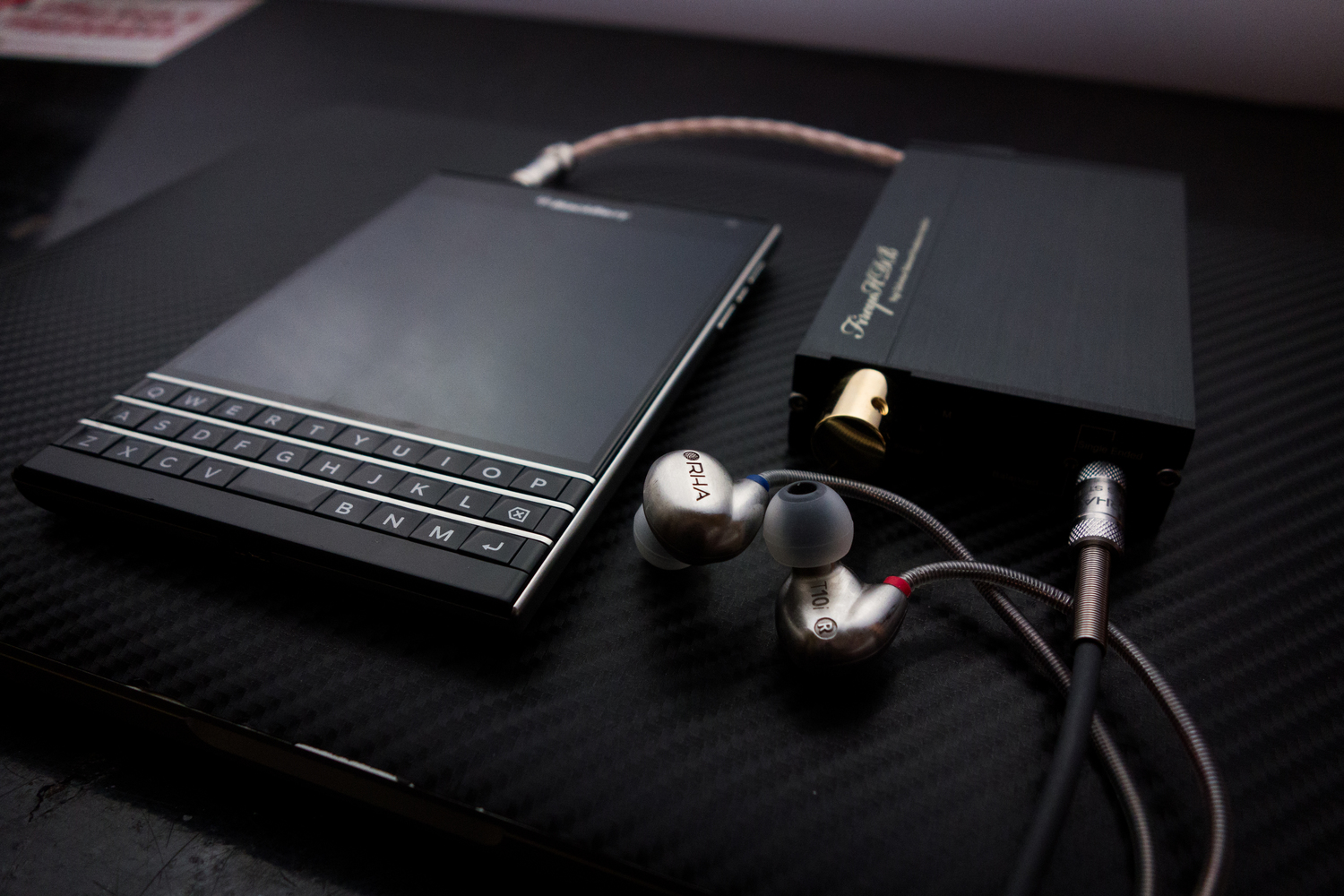Blackberry-Passport-Review-RHA-T10i-and-amp