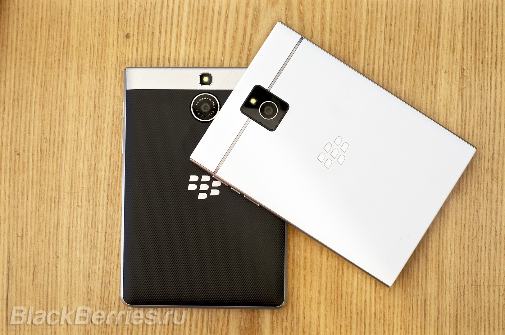 BlackBerry-Passport-Silver-Edition-Review-04