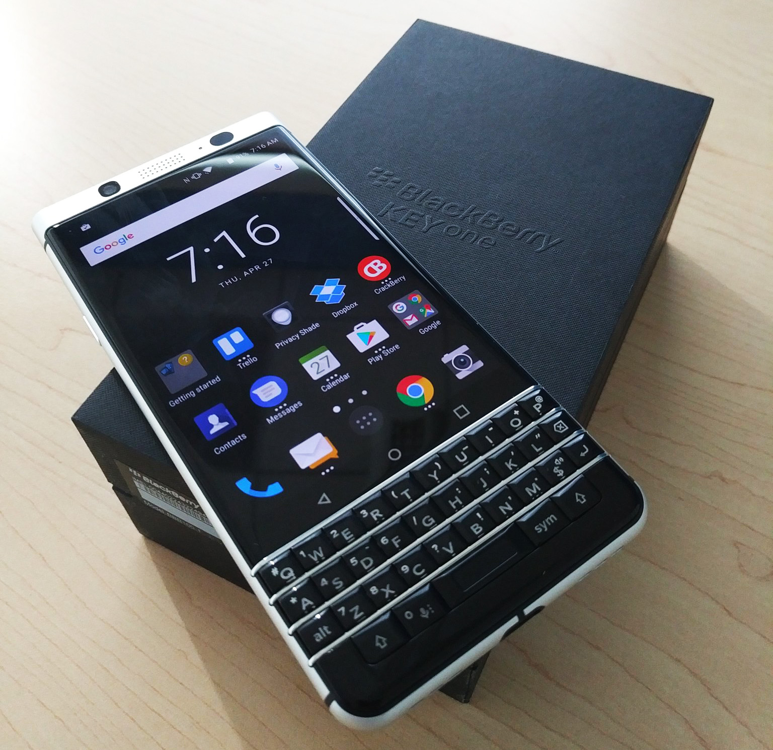 BlackBerry-KEYone-27