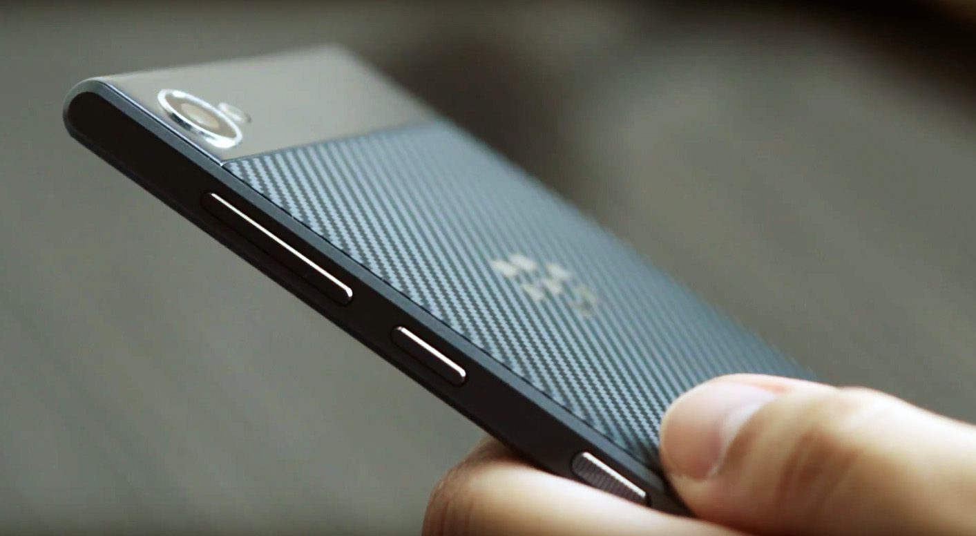 BlackBerry-Motion-12